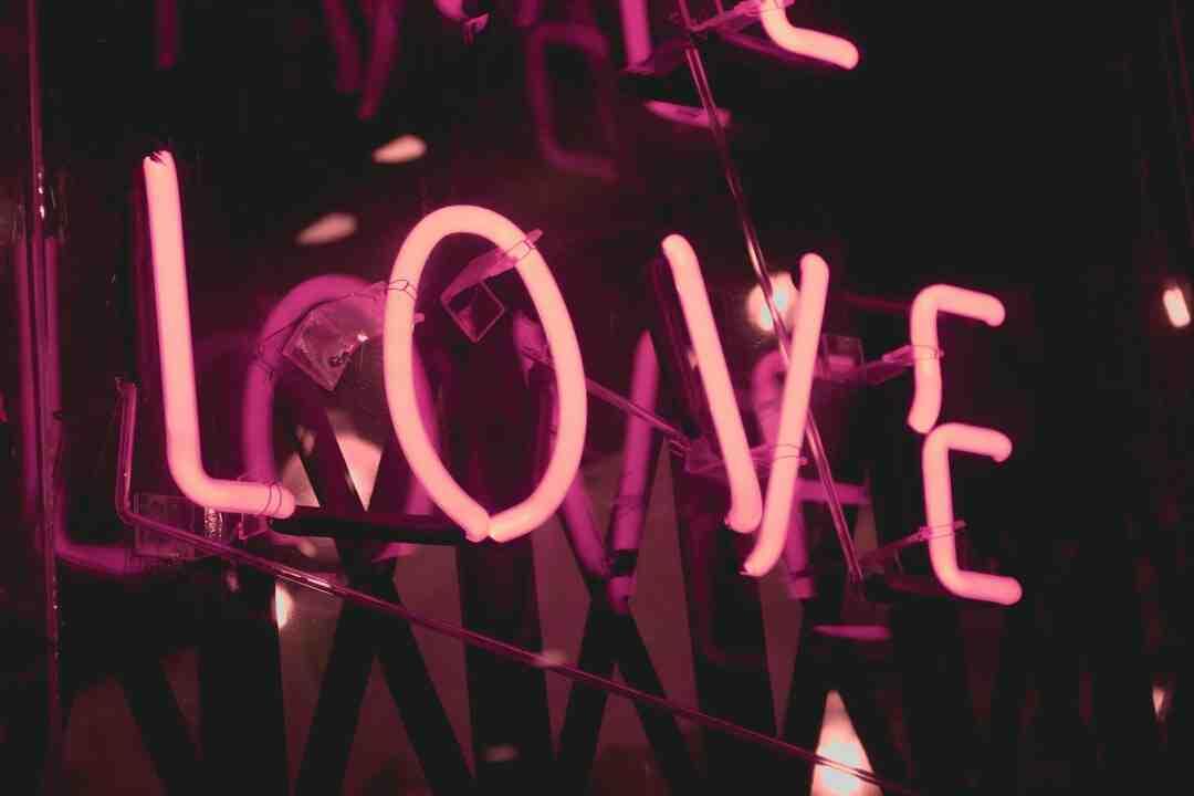 Quand quelqu'un tombe amoureux de vous vraiment amoureux C'est une magie ?