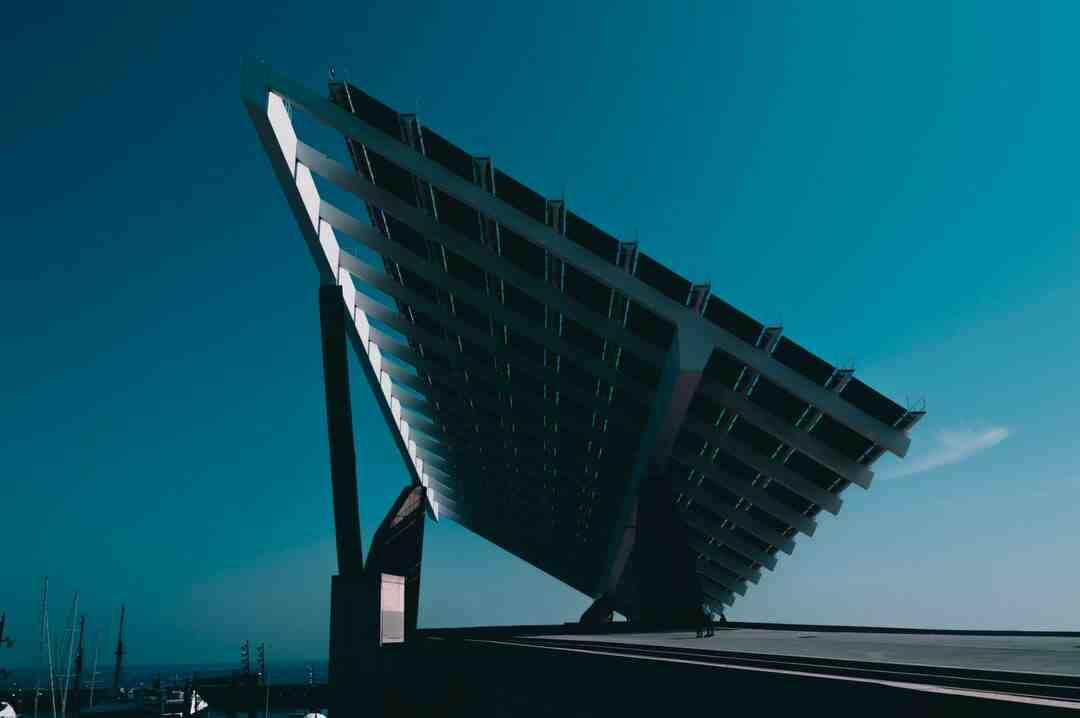 Comment se forment les combustibles fossiles et comment expliquer leurs propriétés ?