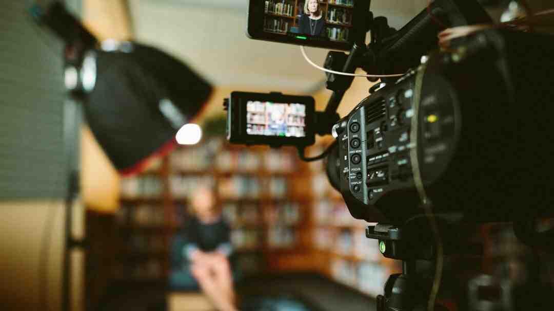 Quelle est la différence entre un journaliste et un reporter ?